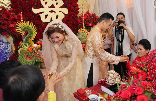 Thuê trang phục và chụp hình cưới