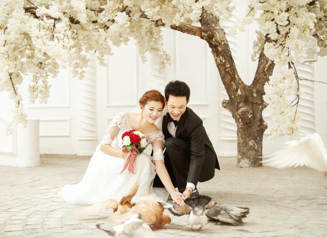 http://tochuctieccuoi.net/kinh-nghiem-dat-tiec-tai-nha-hang-tiec-cuoi/